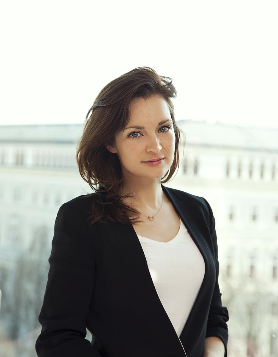 Sabrina Reiter for Look Magazin - Portfolio Manuela ...